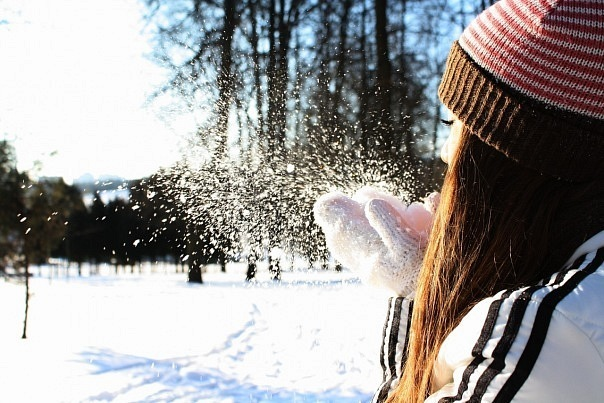 Фото на снегу на аву в
